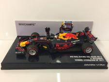 Minichamps 417170803 Red Bull Winner Azerbaijan D Ricciardo GP 2017