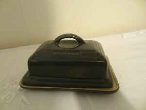 Le Creuset Stoneware Lidded Butter Dish - Grey