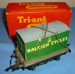 TRIANG OO GAUGE BR 10 Ton CONTAINER WAGON M59015 R19 BOXED