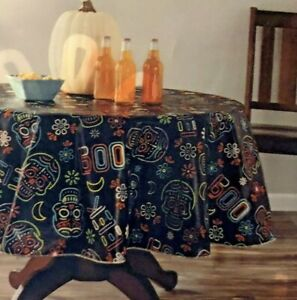 """NEW Way to Celebrate Halloween Day of The Dead Skull 70"""" Round PEVA Tablecloth"""