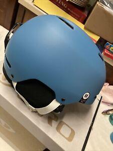 * Giro ledge mips snow helmet matte powder blue medium