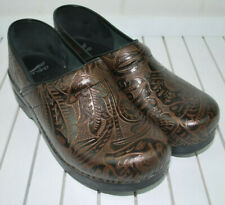 Dansko Comfort Shoes Clogs Womens 41 Textured Print Leather Brown Copper Slip-on