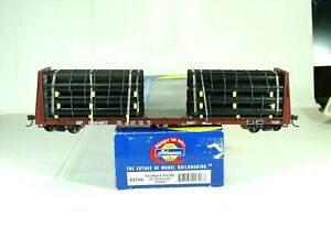 ATHEARN RTR HO SCALE 60' BULKHEAD FLAT CAR WITH PIPE LOAD.SOUTHERN PACIFIC 92706