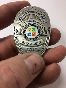 Geocaching Undercover Cacher Badge 2006 Geocoin Silver active adoptable