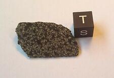 Angrite, Neu, Meteorite NWA 12774, Achondrite, Fragmentplatte, 2.3g