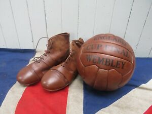OLD SCHOOL ANTIQUE VINTAGE STYLE HAND POLISHED WEMBLEY LEATHER FOOTBALL & BOOTS