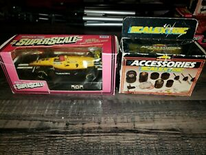 scalextric 1/32 slot cars super scale indy team Duracell #9 accessories