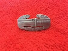 COMBAT ACTION BADGE SMALL SIZE MEASURES 7/8 INCHES
