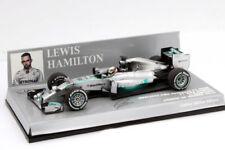 Voitures Formule 1 miniatures argentés en édition limitée pour Mercedes