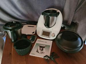 Vorwerk Thermomix TM5 gepflegt mit Varoma, Cook-Key, 2. Mixtopf und Gleitbrett