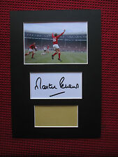WEST HAM UNITED - ENGLAND MARTIN PETERS SIGNED A4 MOUNTED CARD & PHOTO DISPLAY