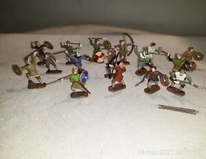 1/72 PAINTED SOLDIERS : SAXON WARRIORS (16 figs )