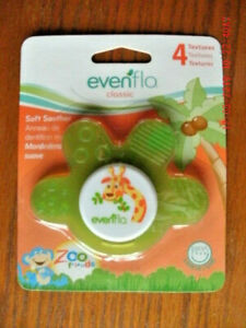 NEW Evenflo Classic Soft Soother Baby Teether green giraffe design 4 textures