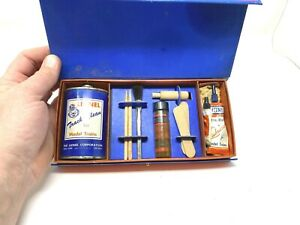Lionel Trains Postwar 927 Lubricating & Maintenance Kit -Blue Tin Variant
