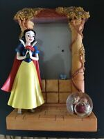 DISNEY Snow White  Snowglobe Photo Frame * Used * Excellent Condition
