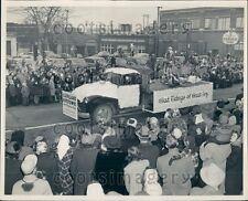 Vintage Truck & Float Christmas Carnival Parade Cleveland Ohio Press Photo