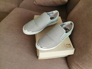 Ladies Fabulous Classy Silver Sparkly Ted Baker Shoes UK Size 5