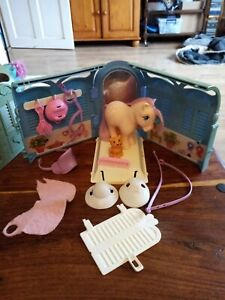 Vintage 80s g1 My Little Pony Grooming/Pretty Parlour with Peachy and Twinkles
