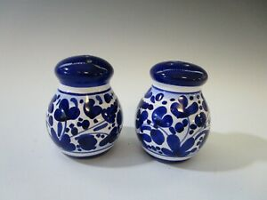 Deruta  Arabesco Blue and White Salt and Pepper Shakers Italy Hand Painted