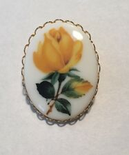 VINTAGE YELLOW ROSE CAMEO BROOCH