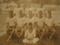 ANTIQUE IVY LEAGUE LOOKS YOUNG COLLEGE MEN JV GATES ME ROWING TEAM MUSCLES PHOTO