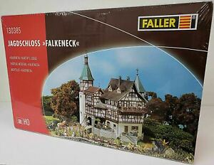 FALLER NEW #130385 HO 1/87 Scale Plastic KIT Medieval Chateau Hunters Lodge