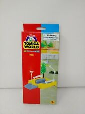 Tomy Tomica World Road & Rail TOMY Road Turnable NEW in BOX + Tree + Sign 7512