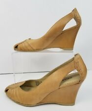 Chinese Laundry Size 7 M  Beige Genuine Leather Insight Wedge Heels Round Toe