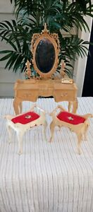 VINTAGE BARBIE 1963 SUSY GOOSE VANITY with 2 Chairs Stools Victorian Style