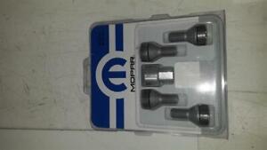 Genuine Fiat 500 Locking Wheel Nut Set - 11148546