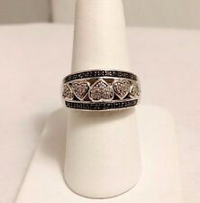 STERLING SILVER 0.5 CT BLACK & WHITE DIAMONDS LOVE HEARTS RING. SIZE 7
