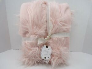 Pottery Barn Teen Himalayan Faux-Fur Trim Robe Blush One Size #9082