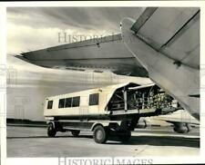1962 Press Photo Mobile Lounge at Dulles International Airport near D.C.