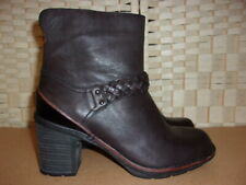 Clarks size 6  (39) black leather active air ankle boots.