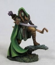 DARK SWORD MINIATURES - DSM7451 Male Elven Ranger w/Bow