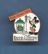 Pin's pin EURO DISNEY MICKEY MAIN STREET USA Signé ESSO DISNEY AB.  (ref D)