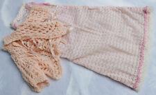 Chemise de nuit et liseuse vintage rose—Poupée Cathie de Bella—Artisanat—'70