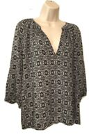 Anne Carson Women's Blouse Size M 3/4 Sleeve V-Neck Pullover Top