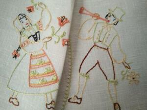 Lovely Dutch Girl/Boy Dancers/Tulips  Vintage Hand Embroidered Centrepiece