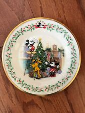 "New Collectible Lenox Holiday Plate Mickey & Co. Disney ""Decorating The Tree"" 8"""