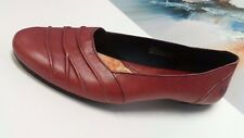 Born BOC Women's 9M Red Leather  Loafers Slip On Comfort Shoes EUC