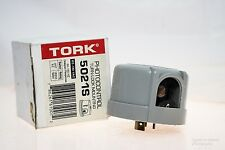TORK 5021A PHOTOCONTROL DELAYED RESPONSE TURN-LOCK MOUNTING NEW IN BOX! (H98)