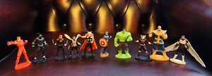 Marvel Avengers Cake Toppers - 10 Figurines + a Free book, Playmat New
