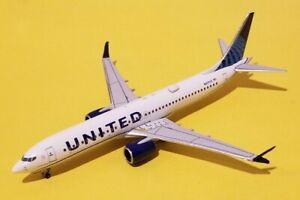 Aeroclassics 1:400 United Airlines 737 MAX 9 N27515