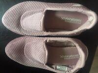 Ladies Skechers pink go walk 4 goga max size 5.5