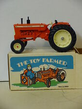 ALLIS CHALMERS  TOY FARMER D-19 TRACTOR, 1/16, DIECAST