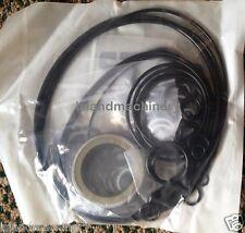 KOMATSU PC200-3 PC200-5 PC220-3,PC220-5  HYDRAULIC PUMP SEAL KIT     Main Pump