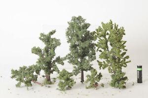 H0  3 große und 4 kleine schöne Bäume (123053)