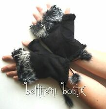 Goth : Gants Mitaines Doublée Fourrure & Pompon NOIR Japon Gothique