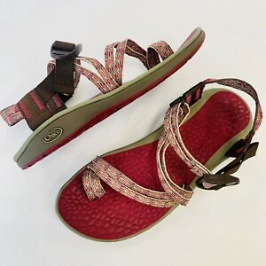 Chaco Chari Cycloid Scale Sandals Strappy Sandal, Pink, Women's US 7, Pre-Owned